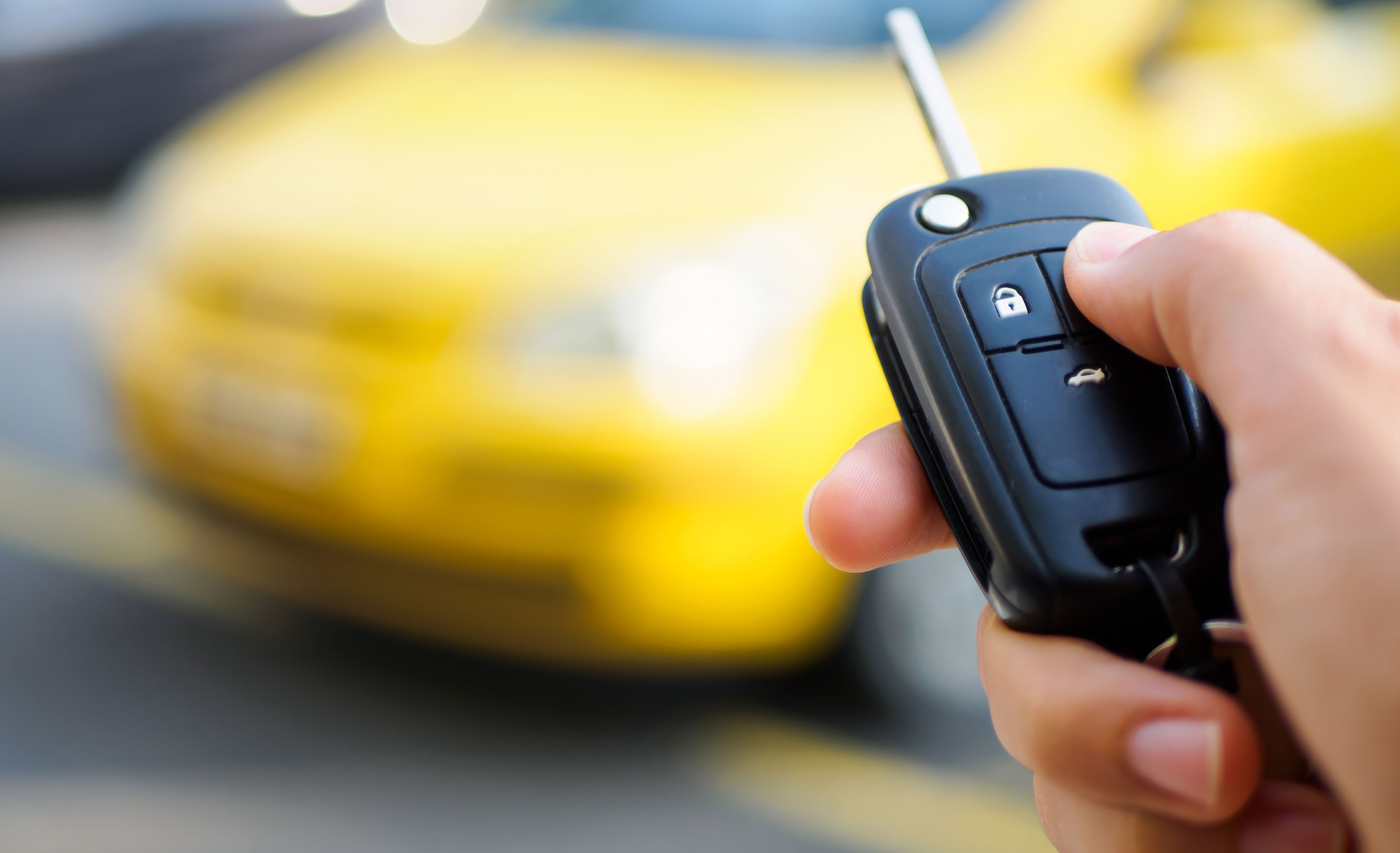 PROFESSIONAL, QUALIFIED AND RELIABLE MOBILE LOCKSMITH
